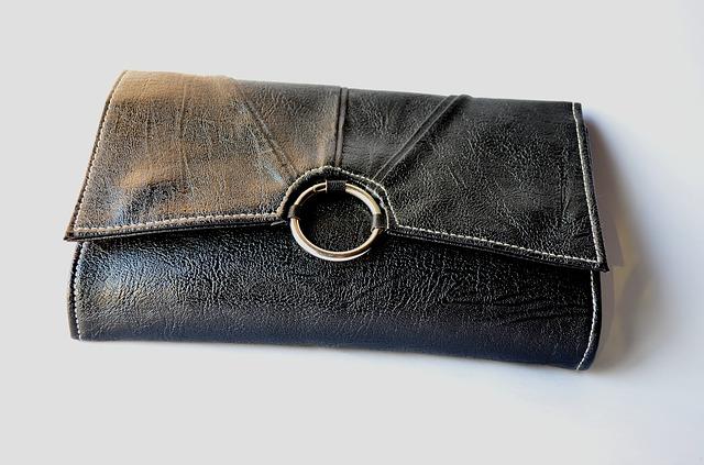 peněženka s kolečkem.jpg