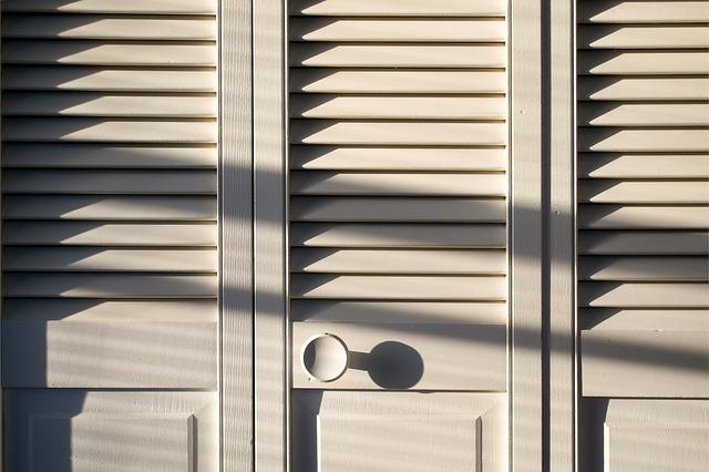 dveře skříně.jpg