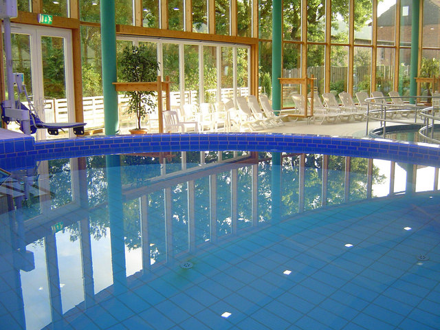 vnitřní kruhový bazén